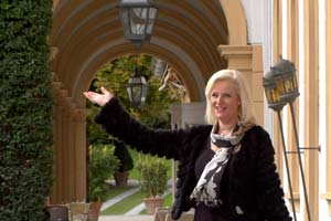 In Jantiena's program she takes her audience on a tour of the beautiful Vlila d'Este Hotel.