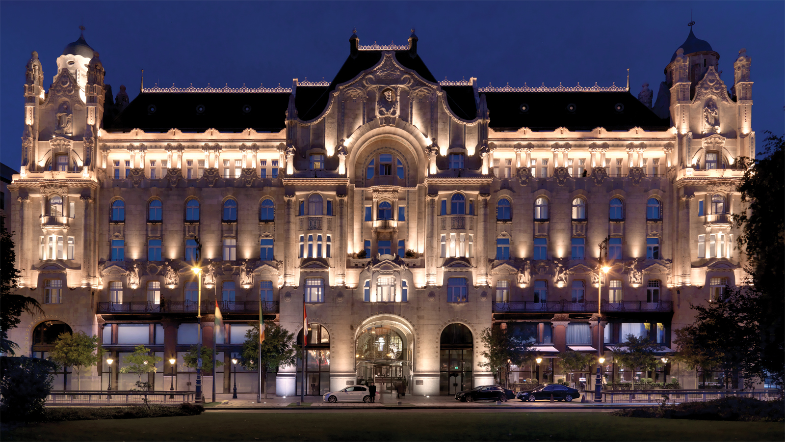 Cozy Up This Winter At Four Seasons Hotel Gresham Palace Budapest