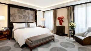 penninsula-bedroom