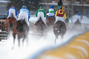 ST. MORITZ, 8FEB15 - Impression vom 'Preis von Arosa', einem Huerdenrennen ueber 2300 m, anlaesslich des 1. Renntages von White Turf in St. Moritz am 8. Februar 2015.    Impression of the White Turf St. Moritz, the famous international horse races take place on the frozen lake of St. Moritz, Switzerland, February 8, 2015.     swiss-image.ch/Photo Andy Mettler