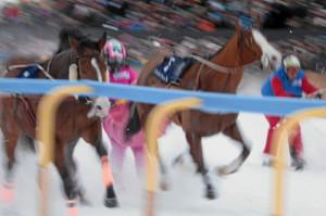 ST. MORITZ, 22FEB15 - Impression vom 'Grand Prix Credit Suisse', einem Skikjoering Rennen ueber 2700 m, anlaesslich des 3. Renntages von White Turf in St. Moritz am 22. Februar 2015.  Impression of the White Turf St. Moritz, the famous international horse races take place on the frozen lake of St. Moritz, Switzerland, February 22, 2015.  swiss-image.ch/Photo Andy Mettler
