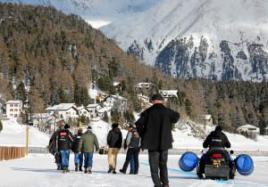 ST. MORITZ, 6FEB16 - Die Rennleitung begutachtet die Verhältnisse auf dem St. Moritzersee - und musste aus Sicherheitsgruenden fuer Pferd und Reiter den ersten Renntag von White Turf St. Moritz am Samstagmittag absagen. Trotz stabiler Eisdecke und genuegend Schnee hatten sich durch das warme Wetter in den vergangenen Tagen an einigen Stellen Wasser angesammelt. Bereits am Freitag, 5. Februar 2016, mussten Rennleitung, OK und Fachleute die Wasser-Problematik zur Kenntnis nehmen - der Night Turf wurde darauf mit einem reduzierten Spezialprogramm ausgetragen.  Due to warm weather the first racing day of White Turf St. Moritz, the famous international horse races on the frozen lake of St. Moritz, Switzerland, had to be cancelled, February 6, 2016.  swiss-image.ch/Photo Andy Mettler