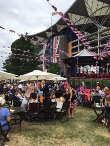 Party at the Ascot Racing 2017